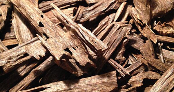 Olej z Agarwood se používá k tišení bolesti a napomáhá léčbě astmatu.